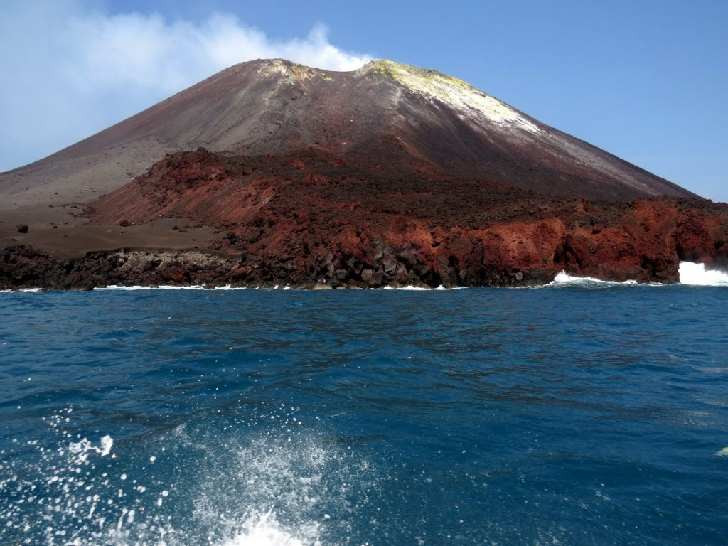 004-indoenzja-wulkan-anak-krakatau